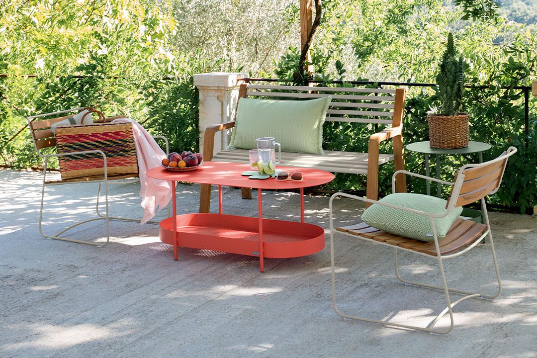 table basse outdoor, salon de jardin, salon de jardin metal, mobilier d'exterieur, banc de jardin, coussin exterieur, dessous de plat,