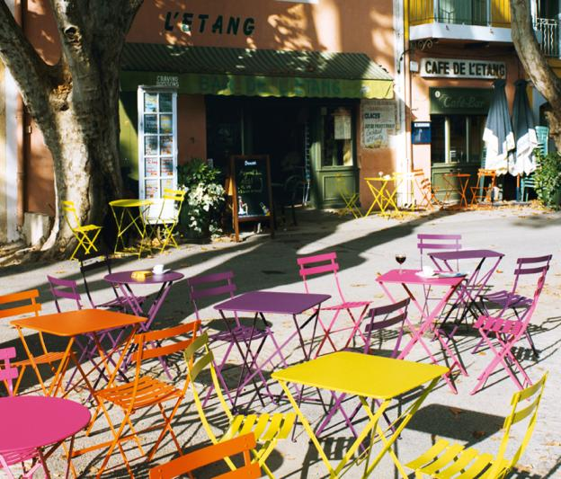 table et chaise bistro couleur