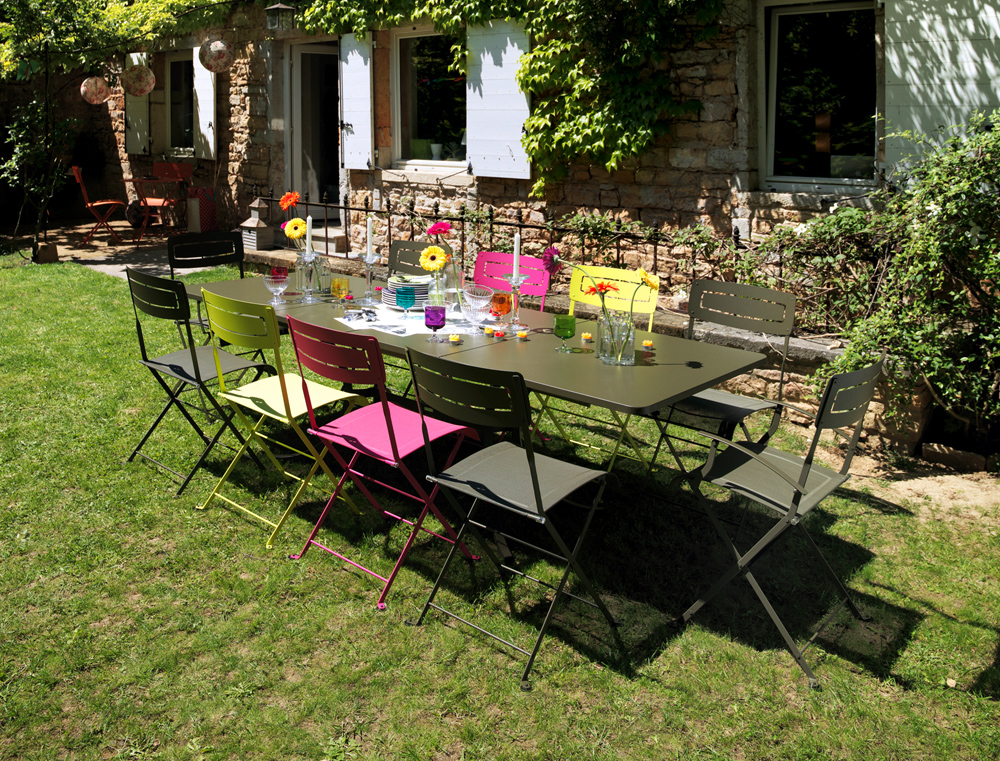 Grande table deauville fermob allonges rectangulaire de for Peinture table de jardin metal