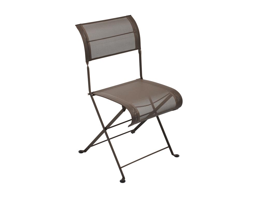 chaise dune fermob moderne pour le jardin en toile et en couleurs. Black Bedroom Furniture Sets. Home Design Ideas