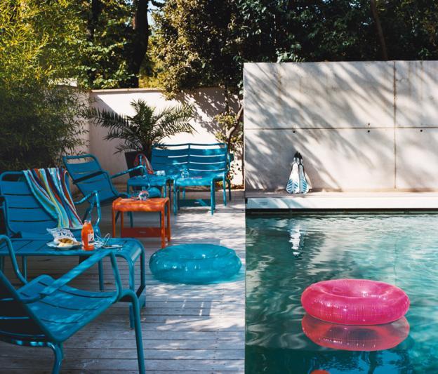 Grande table basse luxembourg fermob design alu en couleurs pour l 39 ext rieur - Meubles jardin fermob ...