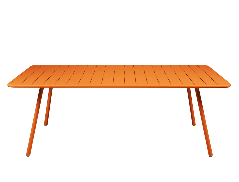 Fermob luxembourg large colourful metal table for outdoors for Table ronde 100 cm