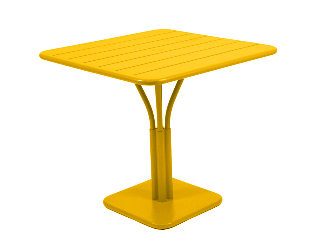 Table luxembourg 80x80cm fermob carr e en aluminium for Table exterieur jaune