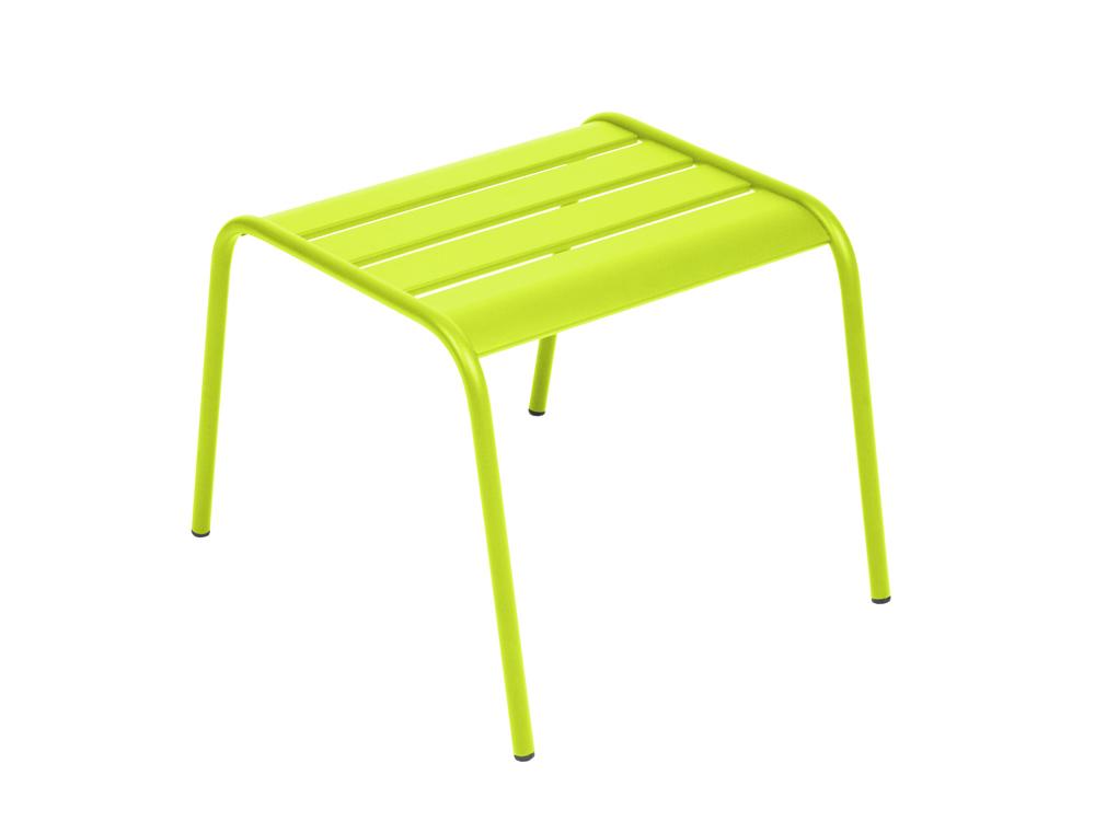 Table basse repose pieds monceau fermob contemporaine en for Table basse trois pieds