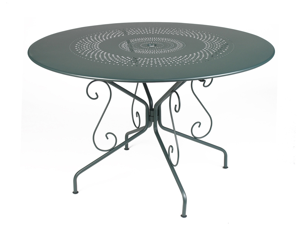 Table montmartre fermob fran aise table 6 personnes en fer - Table de jardin en fer ...