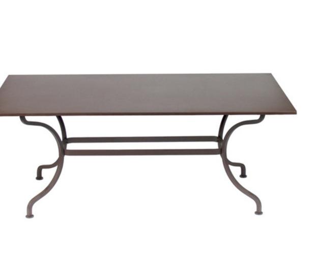 Grande table romane fermob rectangulaire moderne pour l for Table exterieur grande