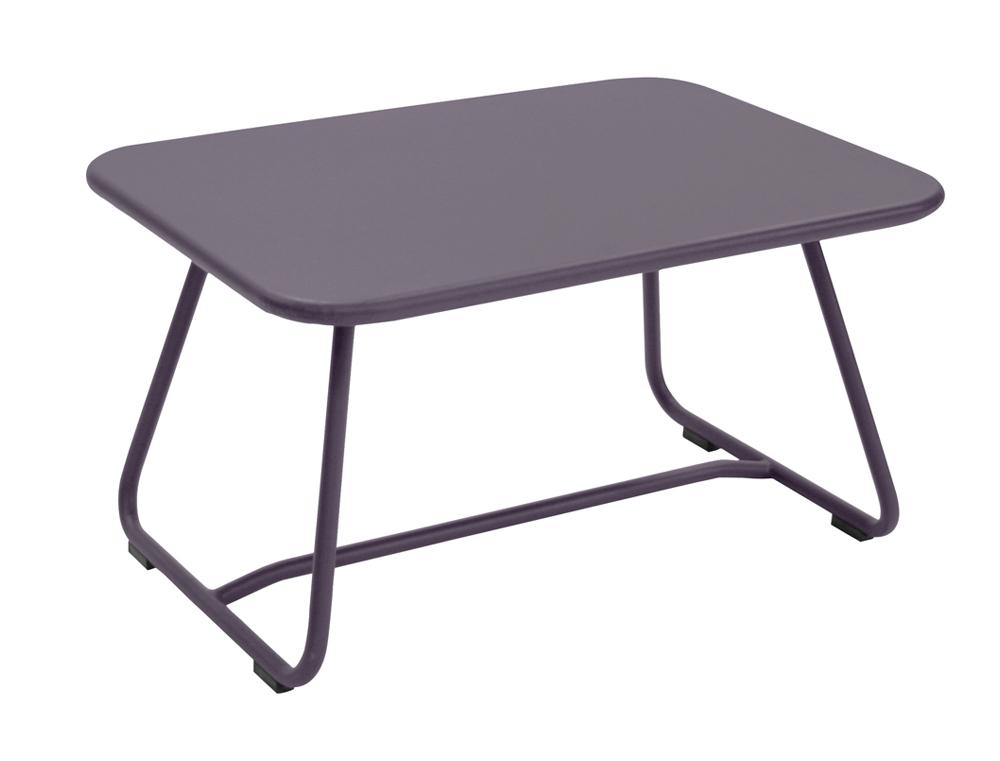 table basse sixties fermob design frederic sofia en m tal et en couleurs. Black Bedroom Furniture Sets. Home Design Ideas