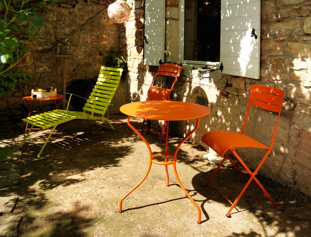 Chaise slim fermob pliante en couleurs moderne pour le jardin en toile et en fer - Chaise jardin couleur ...