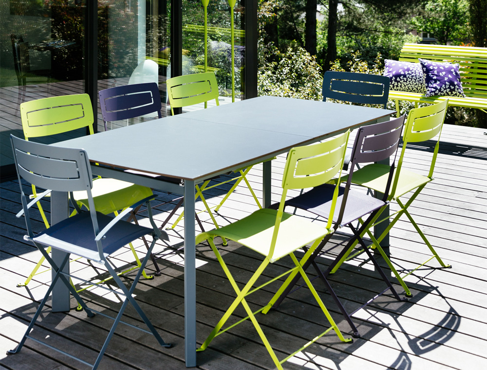 table de jardin slim fermob en aluminium et en couleurs. Black Bedroom Furniture Sets. Home Design Ideas